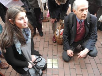 /Fotos-intern/home_strip/Stolperstein_20150317_08.jpg