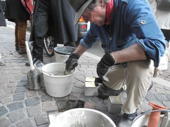 /Fotos-intern/home_strip/Stolperstein_20150317_09.jpg