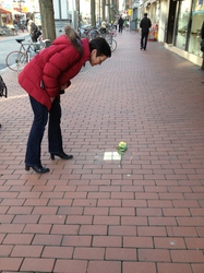 /Fotos-intern/home_strip/Stolperstein_20150317_a.jpg